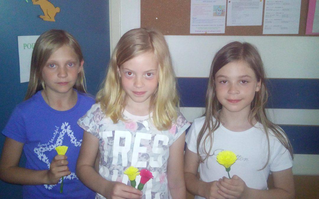 Izdelajmo rože iz krep papirja