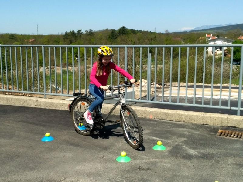 Varno na kolesu